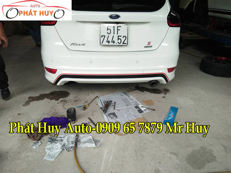 do-po-chuyen-nghiep-cho-xe-ford-focus-2017-tai-tphcm-2.