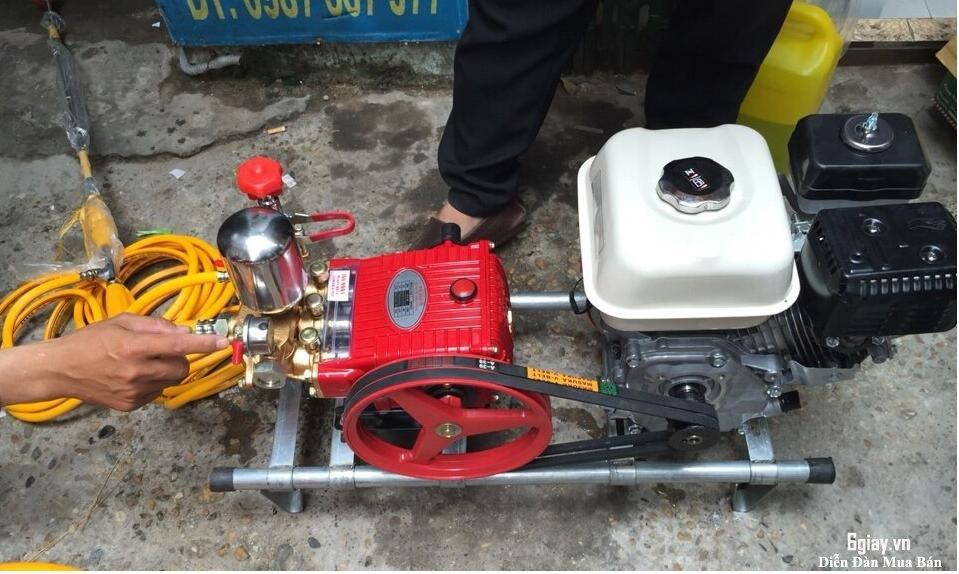 Máy phun thuốc trừ sâu động cơ honda GX160 giá rẻ